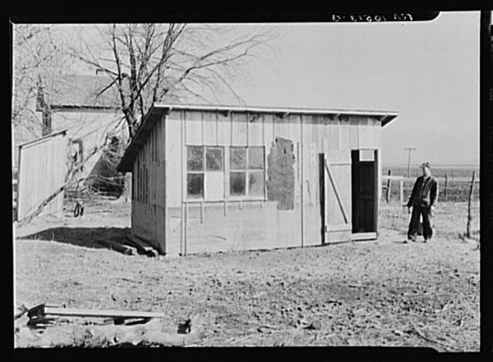 11. Check out this poultry house near Fowler, Indiana in 1937!