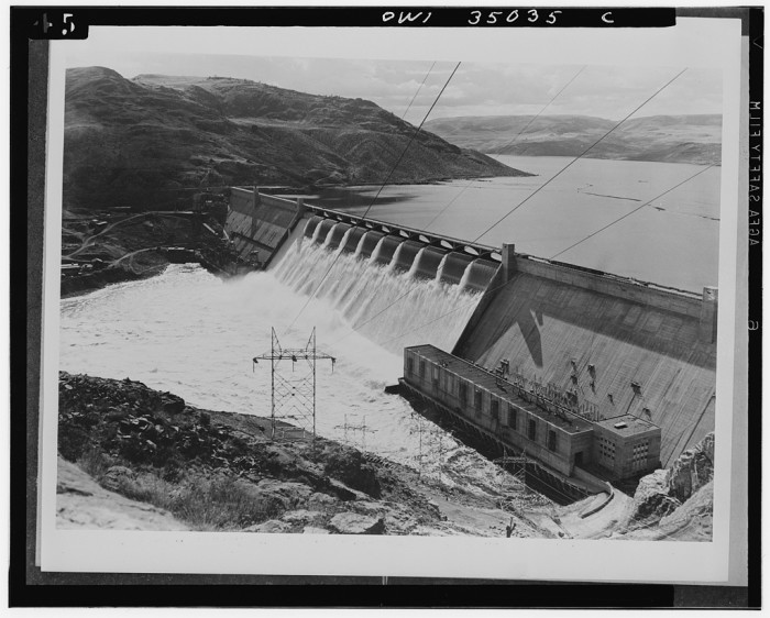 1. Here's the Grand Coulee Dam around the time it was built in 1941. It was actually constructed during the Great Depression era to help employment, since it would create as many as 100,000 new jobs.