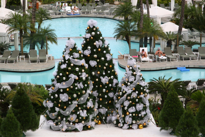 9) You won't freeze to death while admiring all the spectacular Christmas decorations.