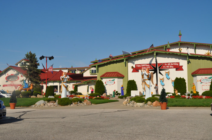 2) Bronner's Christmas Store, Frankenmuth