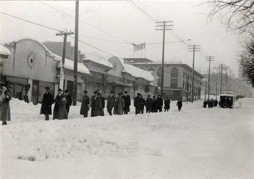 4. Denverites walking along Colfax.