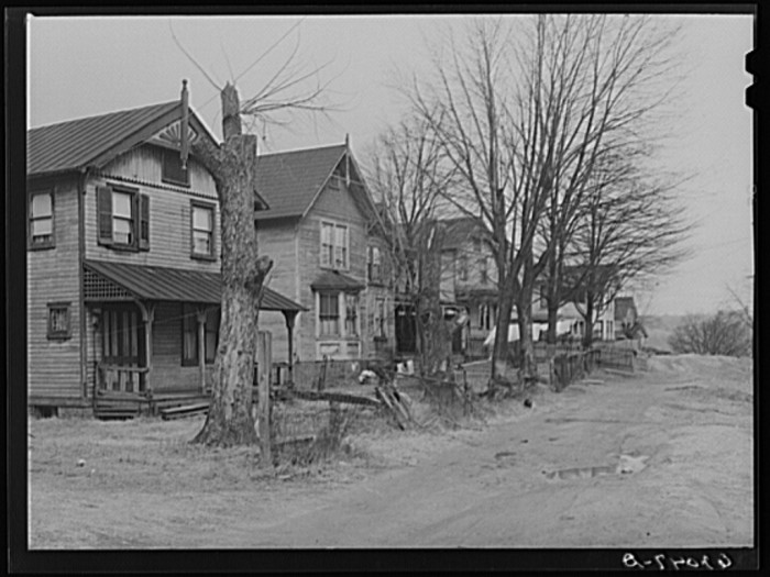 6. A row of rooming houses in Radford, 1940.