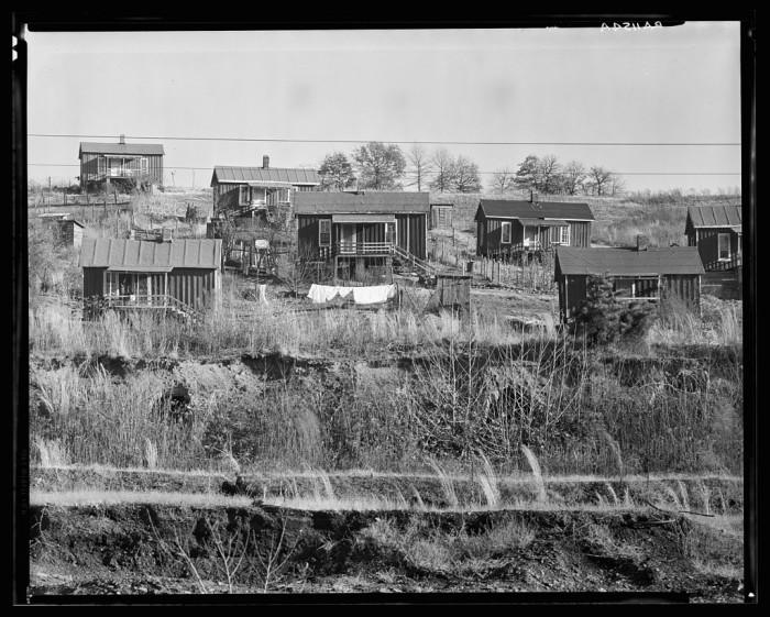 "10. ""Alabama miners' houses near Birmingham, Alabama."""