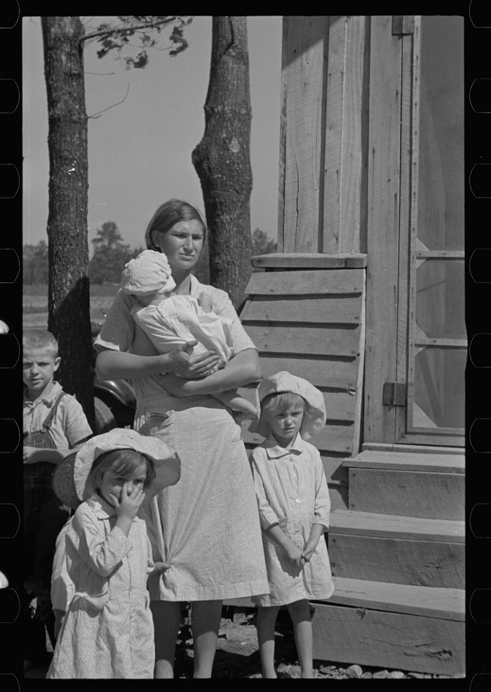 """5. """"Wife and children of resettled farmer, Jackson County, Alabama."""""""
