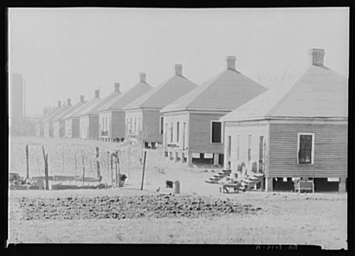 5. Steelmill Workers' Houses - Birmingham, 1935