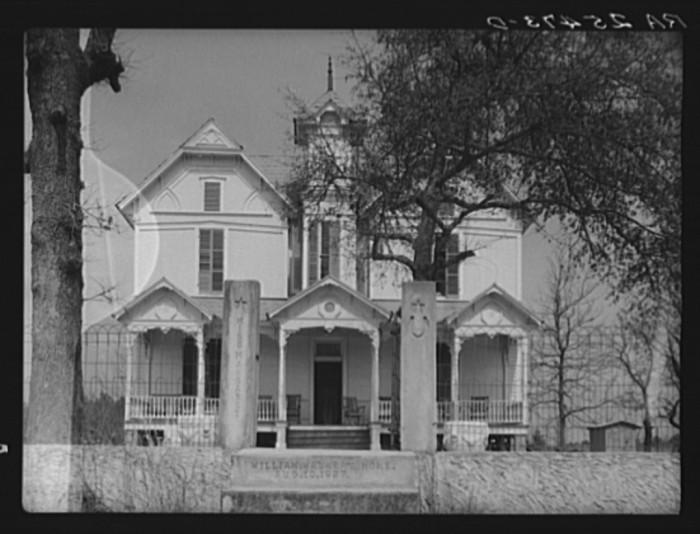 7. A Beautiful Farmhouse - Dallas County, 1937