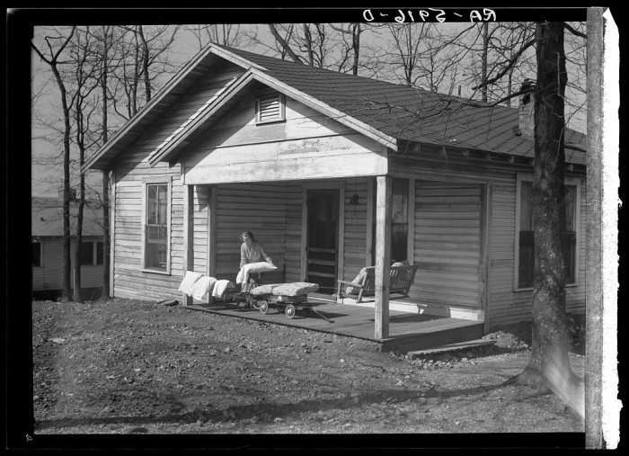 9. Home of C.L. Eargle - Fairfield, 1937