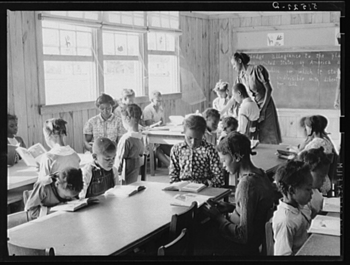 9. Here is a first grade class in Gee's Bend - 1939. This photo shows the extremes in ages of pupils.