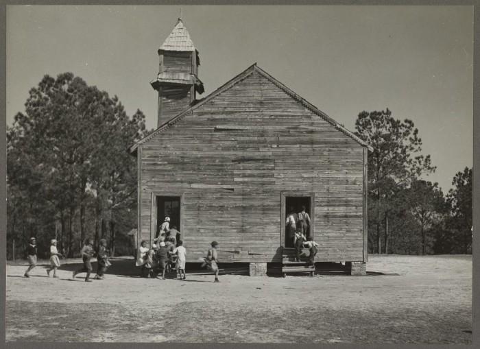 2. Students arriving to school in Gee's Bend - 1939.