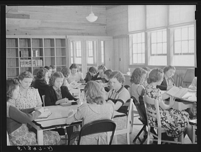 11. The Girls Economics class at Goodman School in Coffee County - 1939.