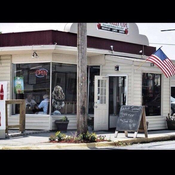 12. Apple Valley Café, Winchester