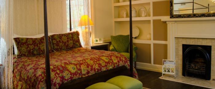 Bourbon Manor B&B suite.