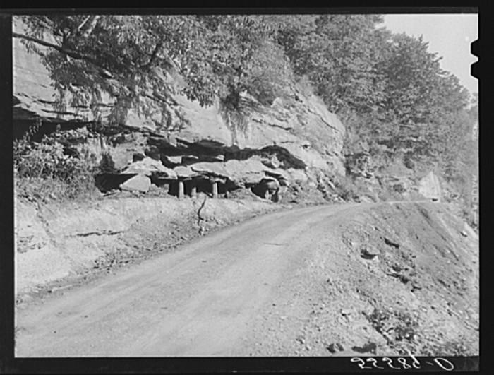 13. Coal transport road near Kentucky River, 1940.