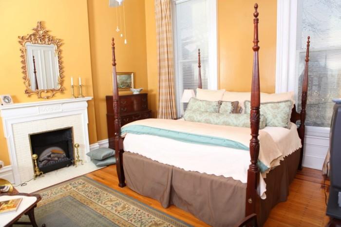 Dupont Mansion Historic B&B suite.