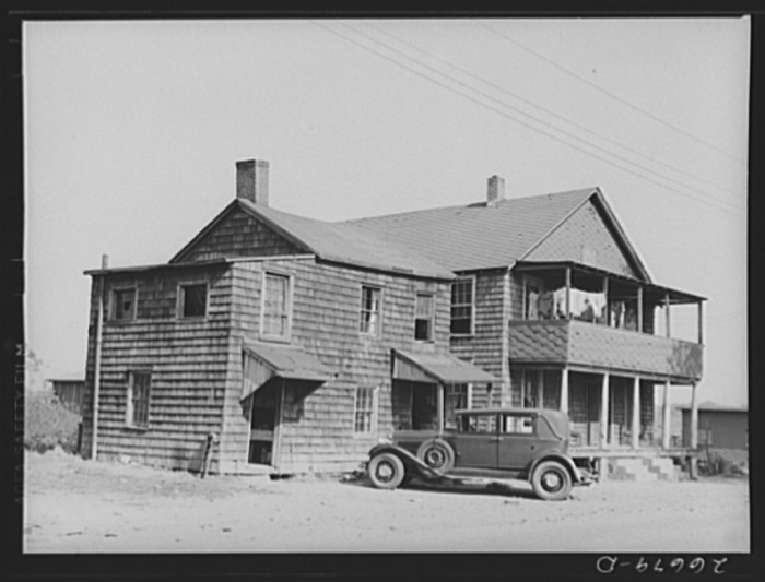 9. A boarding house in Freehold for migrant potato pickers, 1938.