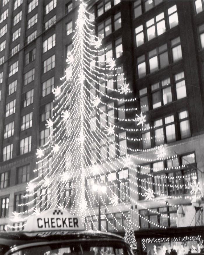 6) Hudson's, Detroit, 1959