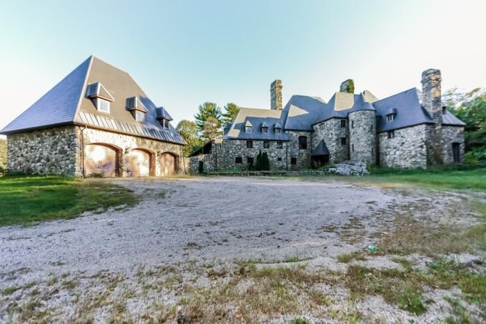 4. Cohasset Castle, Cohasset