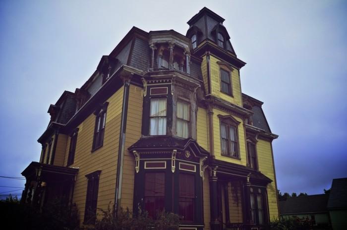 15. S.K. Pierce Mansion, Gardner