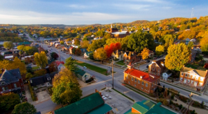 These 17 Perfectly Picturesque Small Towns In Missouri Are Delightful