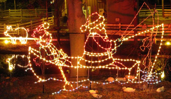 7) Memphis Zoo Lights