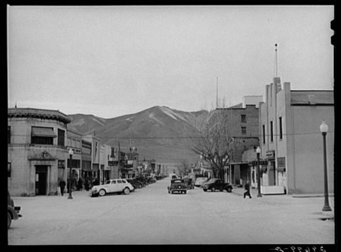 "13. ""Main street. Winnemucca, Nevada."""