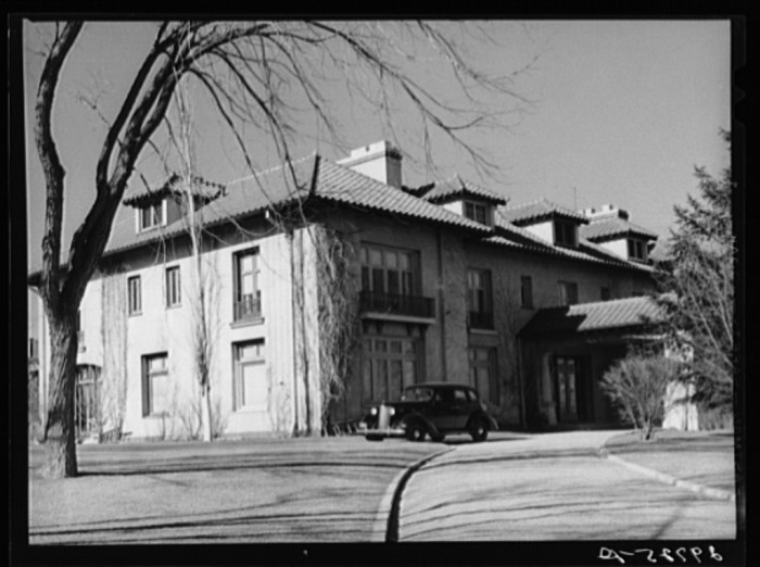 6. A wealthy mine owner's mansion in Reno, Nevada - 1940.