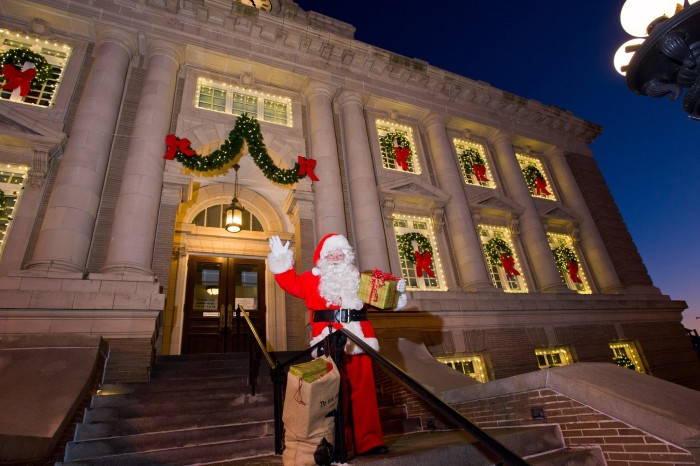 Here Are The Top 10 Christmas Towns In New Jersey.
