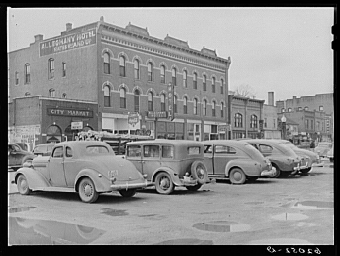 5. Radford Main Street in 1940.