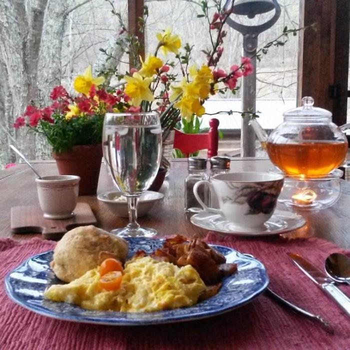 Snug Hollow Farm Bed and Breakfast room.