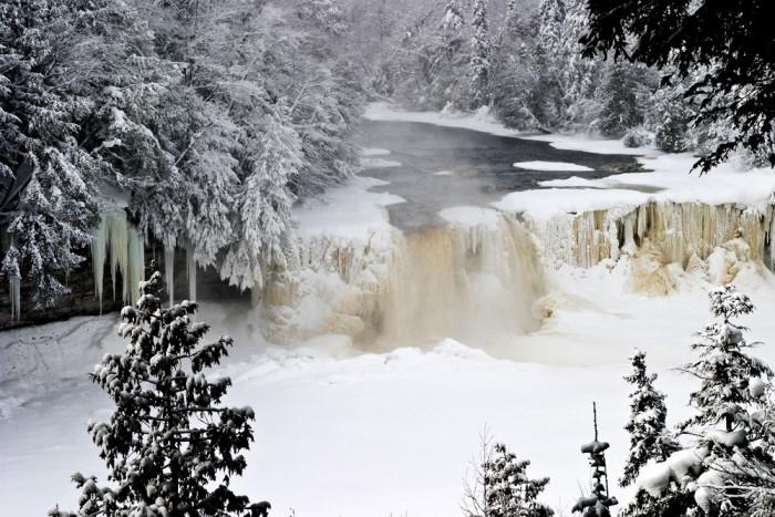 3) Tahquamenon Falls State Park, Paradise