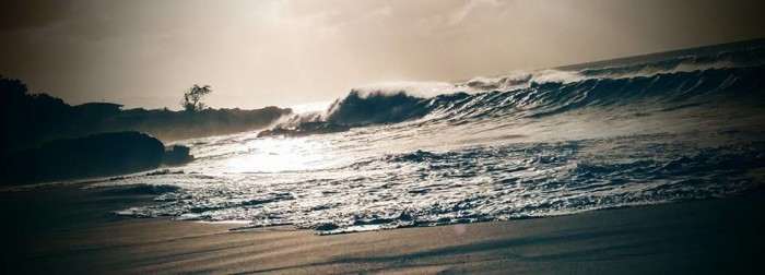 17) The waves at Waimea Bay are incredibly majestic.