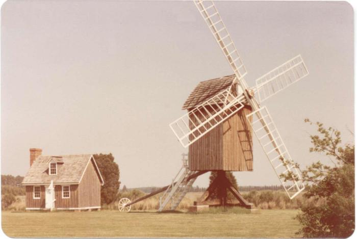 8) Spocott Windmill, Cambridge