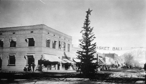 11. Hotchkiss (taken sometime between 1910-1930).