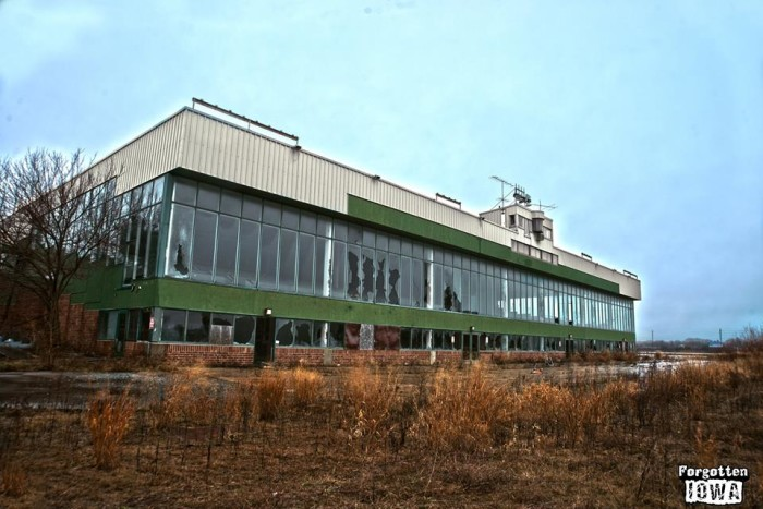 10 Abandoned Places In Iowa That Nature Is Reclaiming