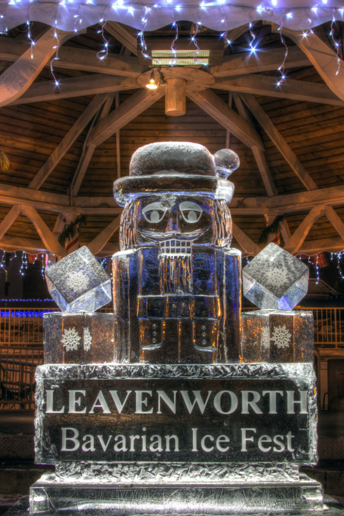1. January: Bavarian Ice Fest in Leavenworth.