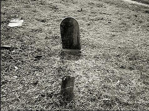 """8. The Grave of Elizabeth """"Betsy"""" Bell"""