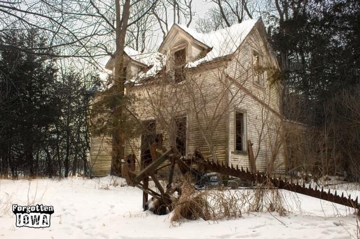 4. Abandoned farmhouse, Boone County