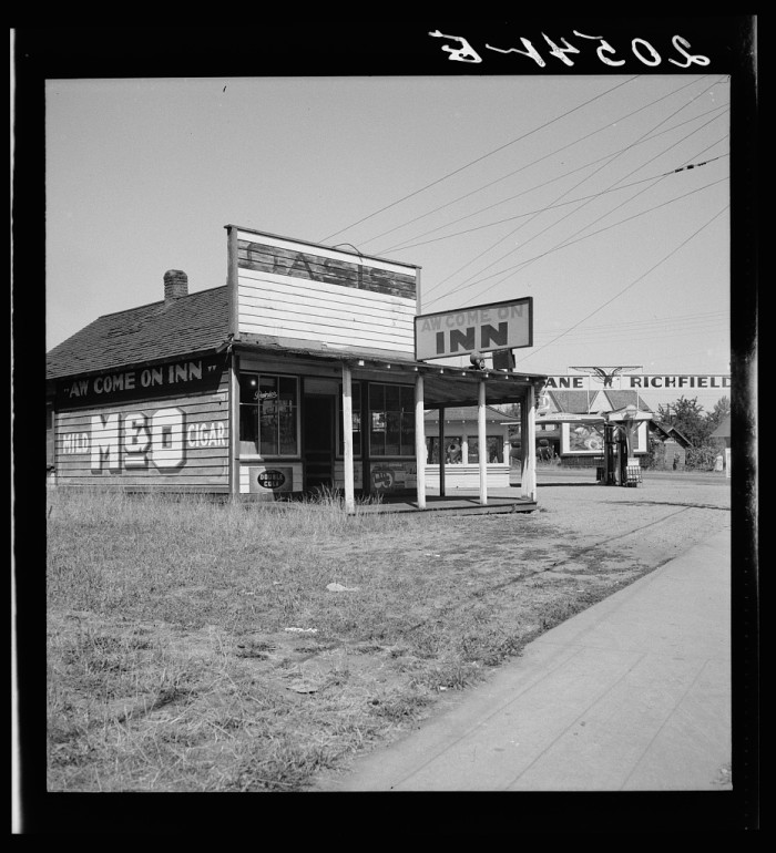 18. Aw Come On Inn was a cafe located on U.S. 99 by Centralia - taken in 1939.