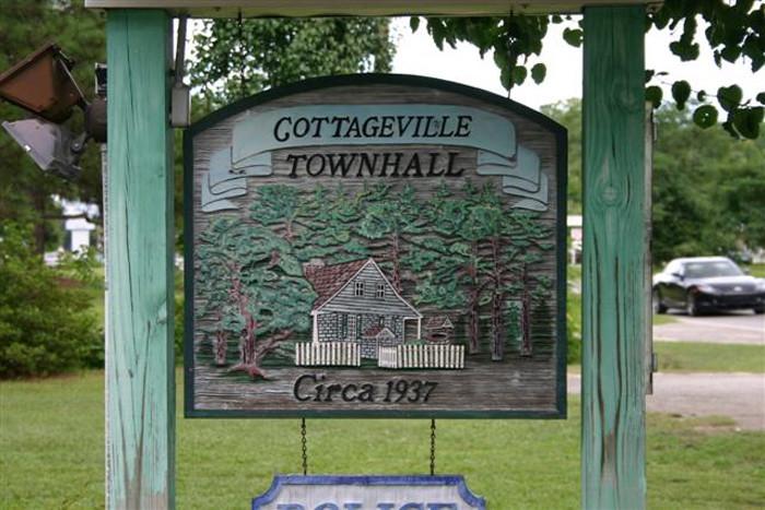 7. Mistletoe Lane, Cottageville, SC