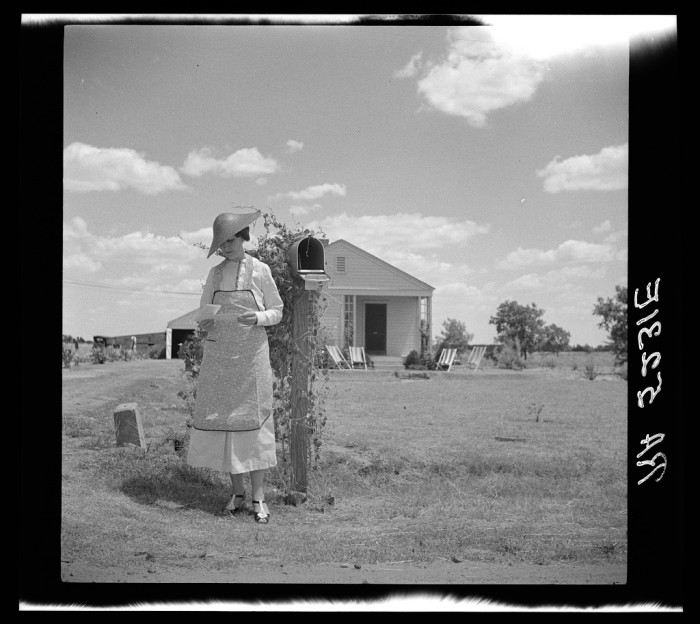 14. And their mothers tended to household duties like sorting through the mail and canning the vegetables their husbands harvested (women also helped out on the farm, too!)