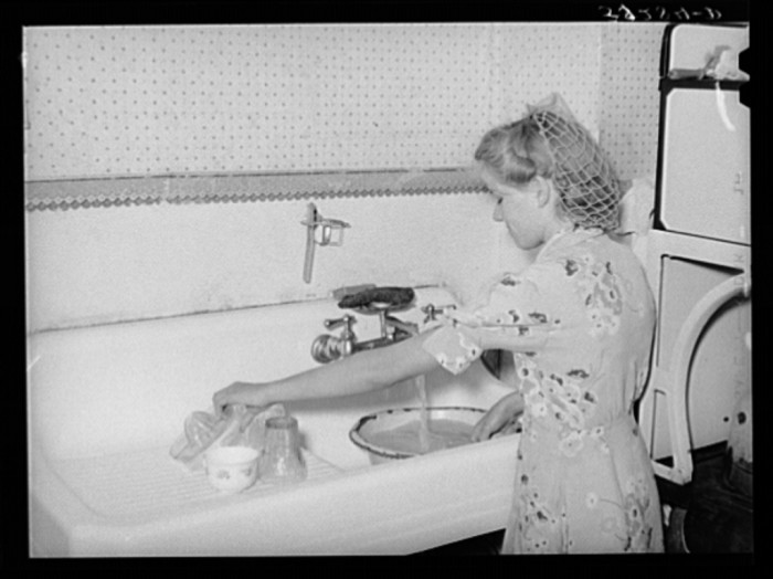 3. Teenagers in 1940's Snowville had to wash dishes much like Utah teens today (but without the benefit of a dishwasher).
