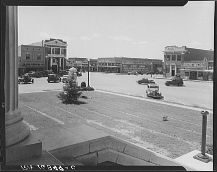 12. Town squares that were once hustling and bustling are now desolate and abandoned.