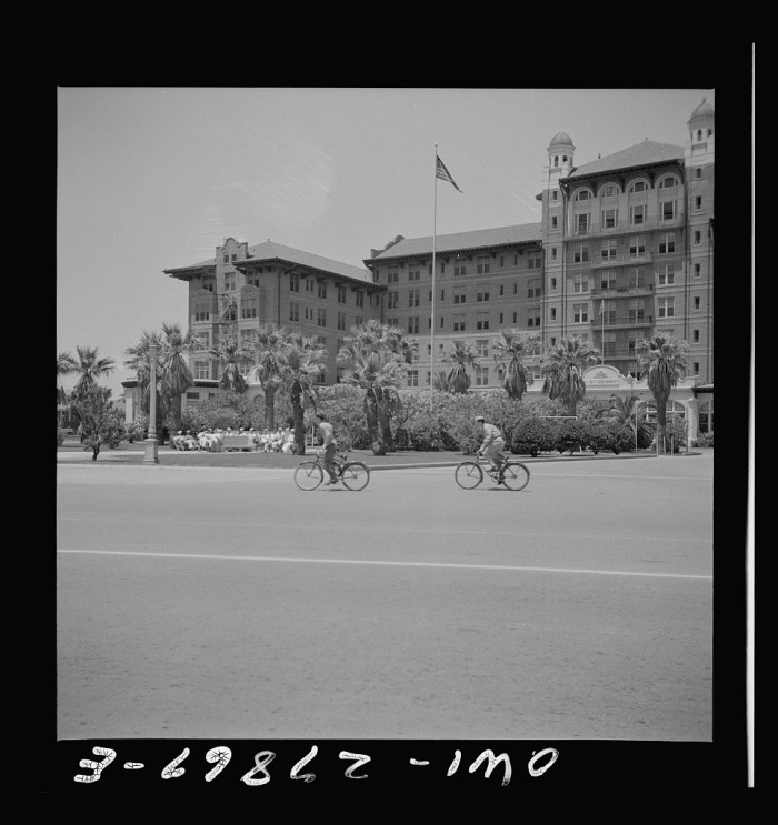 2. Hotel Galvez (1943 & 2009)