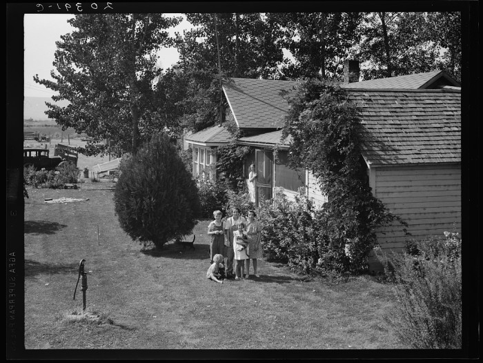 1. Home life in the Yakima Valley near Wapato, August 1939.