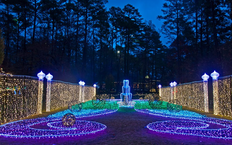 Here Are The Top 17 Christmas Towns In Arkansas