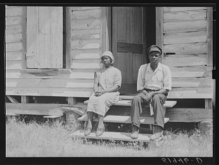 6. This man, John Houston, rented this house on Lady's Island in Beaufort in 1939.