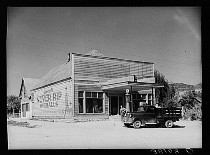 10. The Main Store in Tropic, 1940.