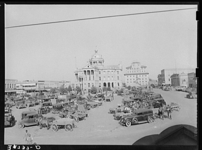 The Marshall town square was alive with activity back in March of 1939.