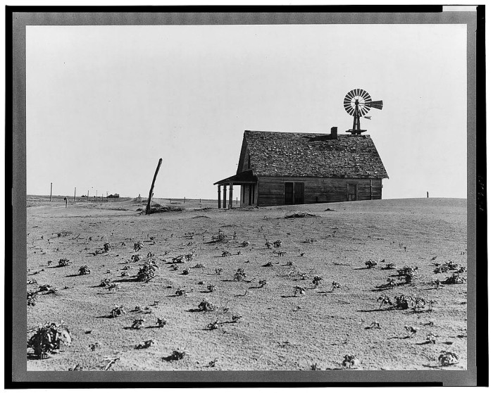 11. In the middle of the Dust Bowl, this family had acres of unoccupied land all to themselves...can you imagine the freedom? (Dalhart)