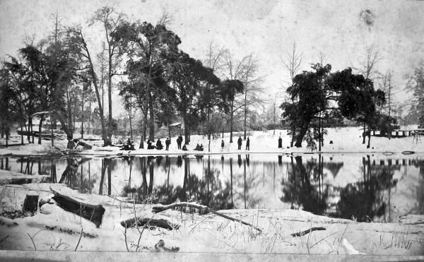 Snow around lake